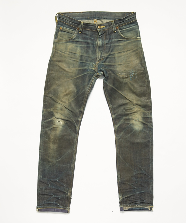 The ageing potential of the collab jeans. This Lee 101 Jeans is worn for 3 years by @roomilputrus.